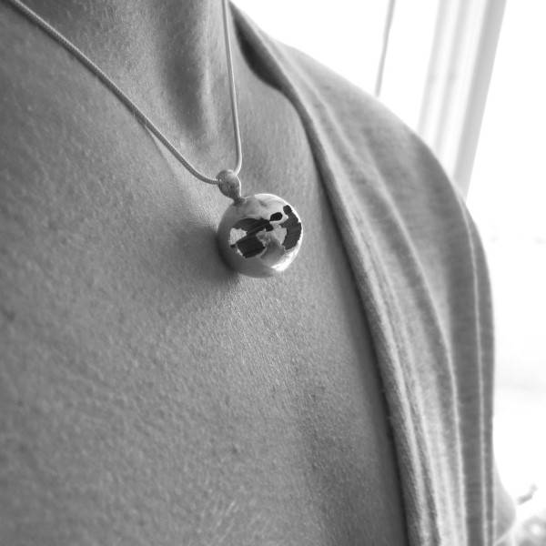 Ultrasound Jewelry made from a 2d sonogram